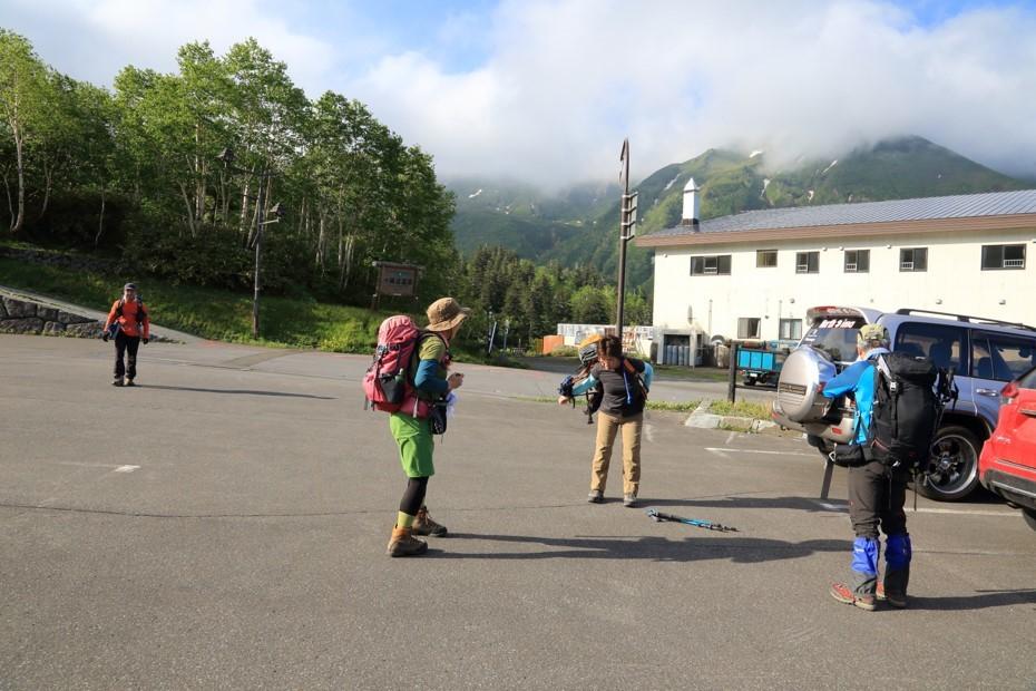 富良野岳、三峰山と上富良野岳、2019.6.24ー同行者からの写真ー_f0138096_23425088.jpg