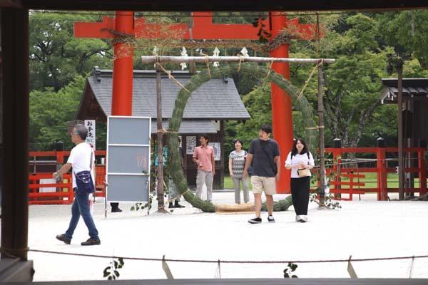 夏越の大祓い 茅の輪くぐり_e0048413_21082380.jpg