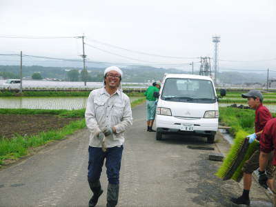 健康農園さんの令和元年の田植えの様子!菊池農業高校生さん達と共に!今年も無農薬栽培で育てます!前編_a0254656_15441733.jpg