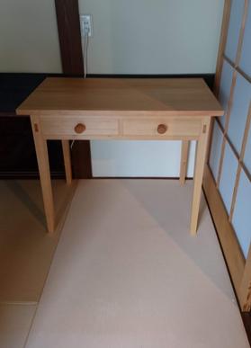 φ1100mm 円テーブル、二つ抽き出しデスク 納品_a0061599_21093892.jpg