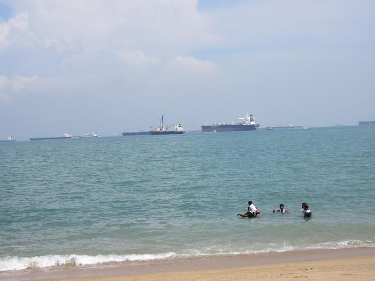 East Coast はシンガポール人の憩いの場です!_c0212604_20102867.jpg