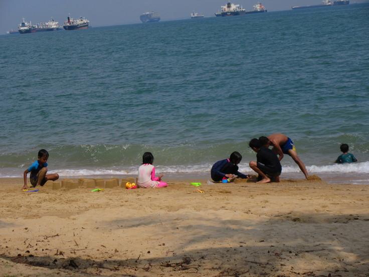 East Coast はシンガポール人の憩いの場です!_c0212604_20162941.jpg
