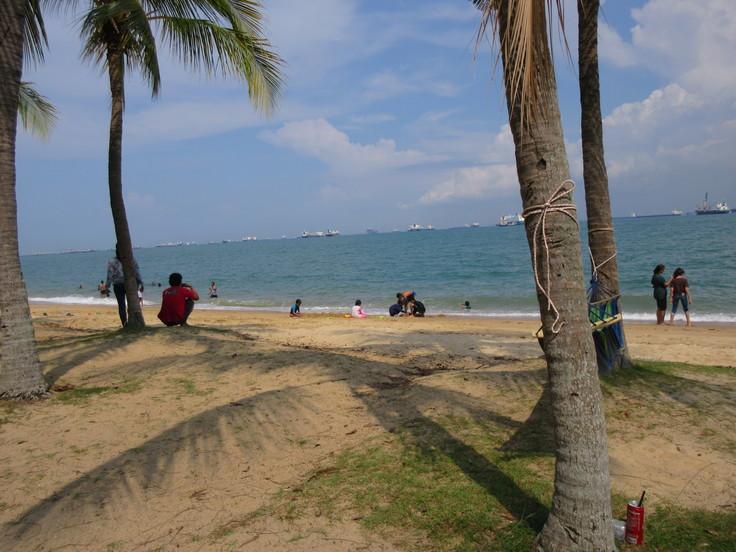 East Coast はシンガポール人の憩いの場です!_c0212604_2051751.jpg