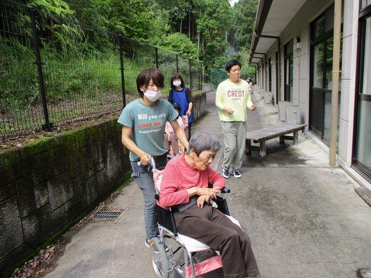 6/28 散歩_a0154110_09441932.jpg