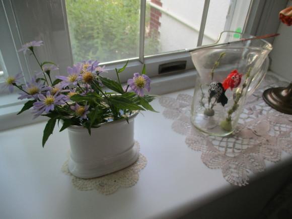 Aからのお土産&お庭の様子&飾ったお花_a0279743_15103651.jpg