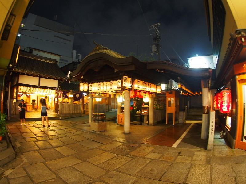 【ねこPhoto】法善寺のネコさんたち_b0008655_23452993.jpg