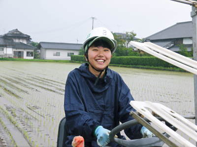健康農園さんの令和元年の田植えの様子!菊池農業高校生さん達と共に!今年も無農薬栽培で育てます!後編_a0254656_19171348.jpg