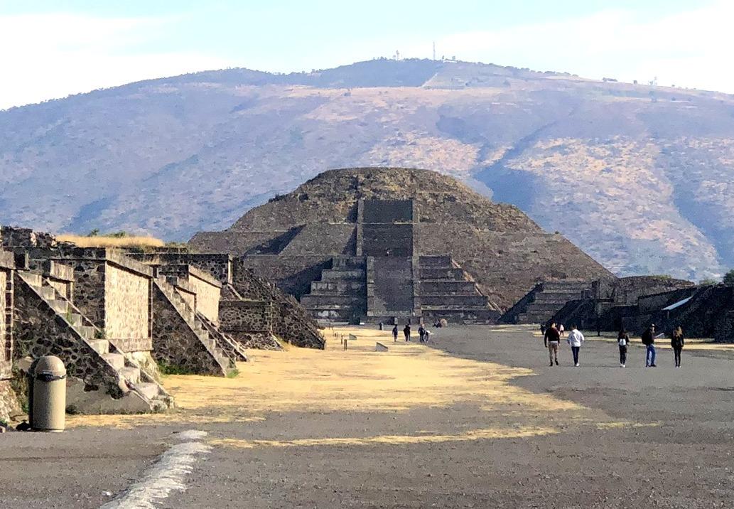 中南米の旅/66 月のピラミッド@メキシコ・テオティワカン遺跡_a0092659_16103746.jpg