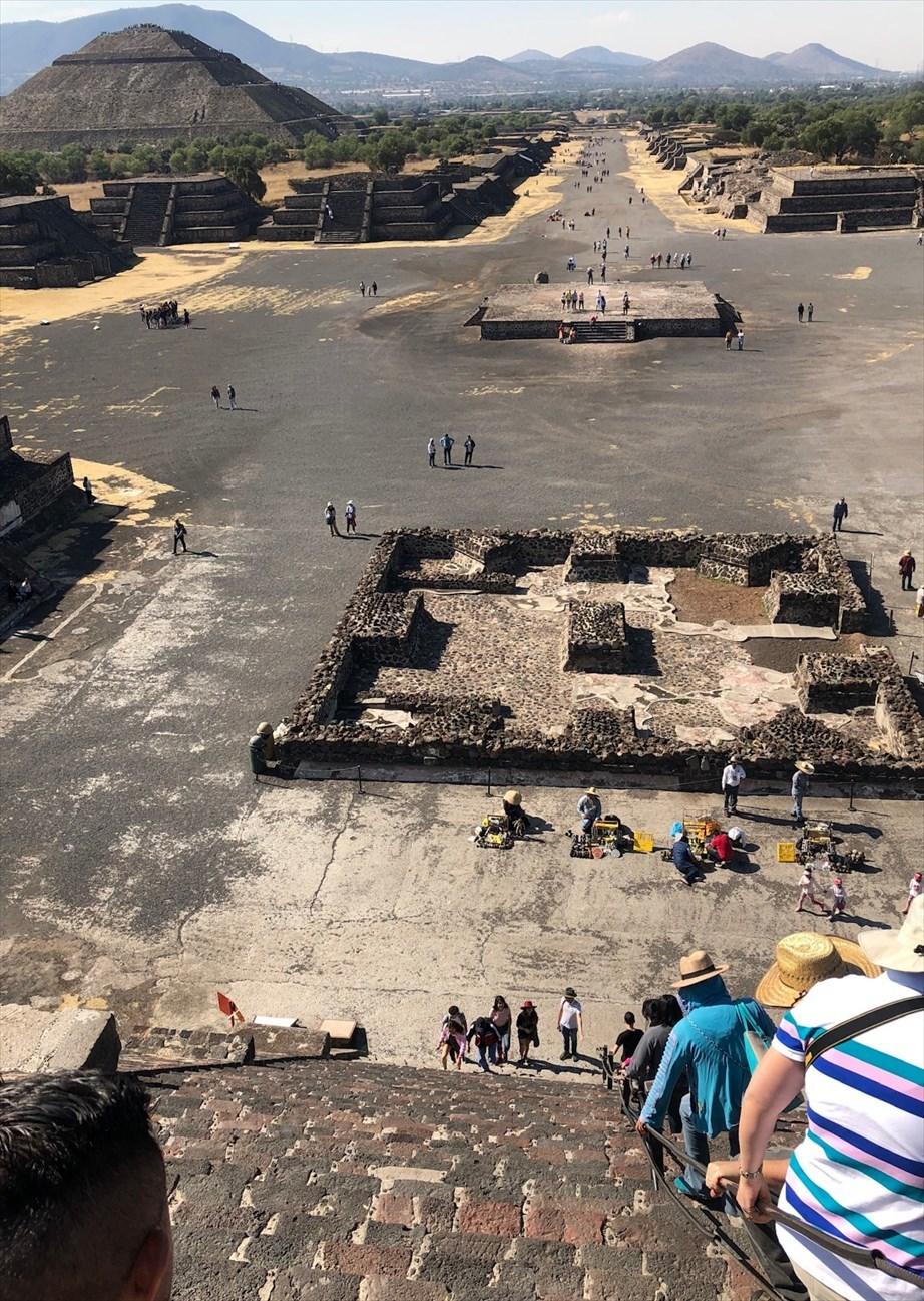 中南米の旅/66 月のピラミッド@メキシコ・テオティワカン遺跡_a0092659_16282118.jpg