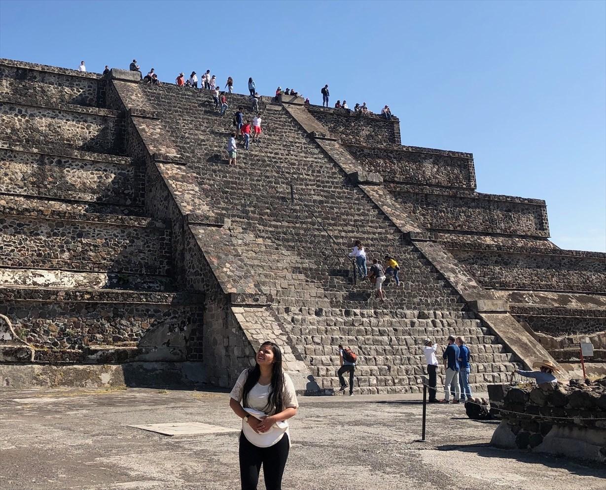 中南米の旅/66 月のピラミッド@メキシコ・テオティワカン遺跡_a0092659_16464512.jpg