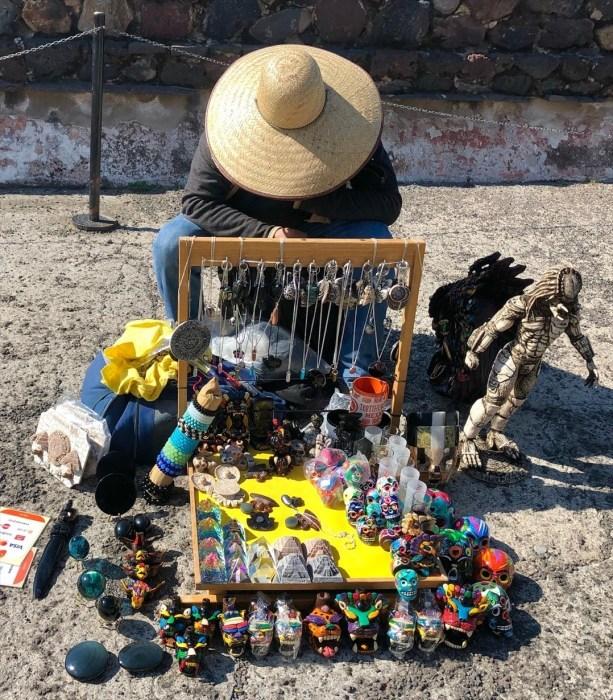 中南米の旅/66 月のピラミッド@メキシコ・テオティワカン遺跡_a0092659_16494715.jpg
