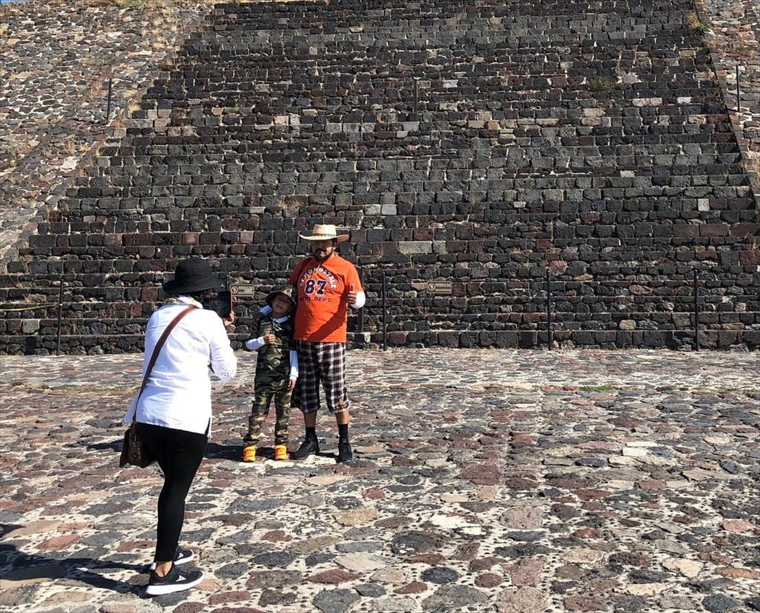 中南米の旅/66 月のピラミッド@メキシコ・テオティワカン遺跡_a0092659_16534757.jpg
