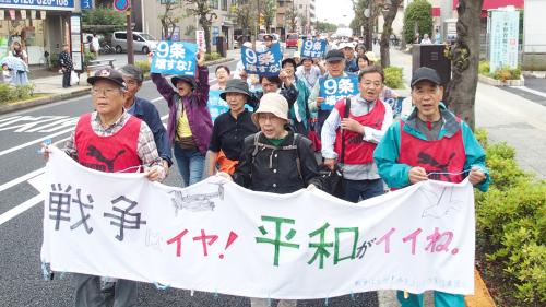 「市民パレード」で切実な訴えが_b0190576_20410001.jpg