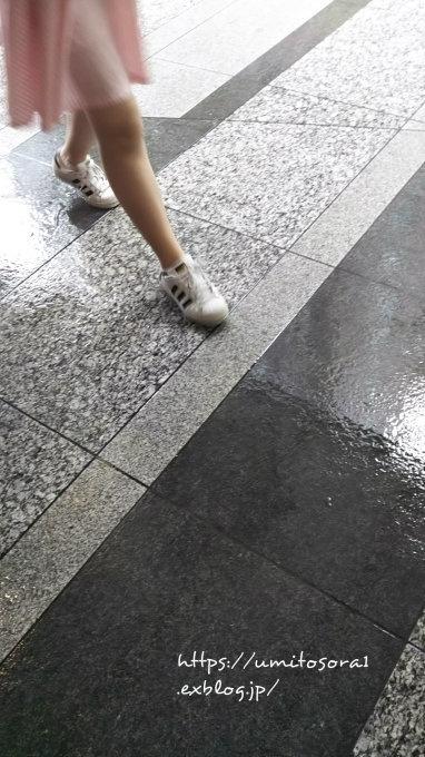 雨に歩く_b0324291_21435183.jpg