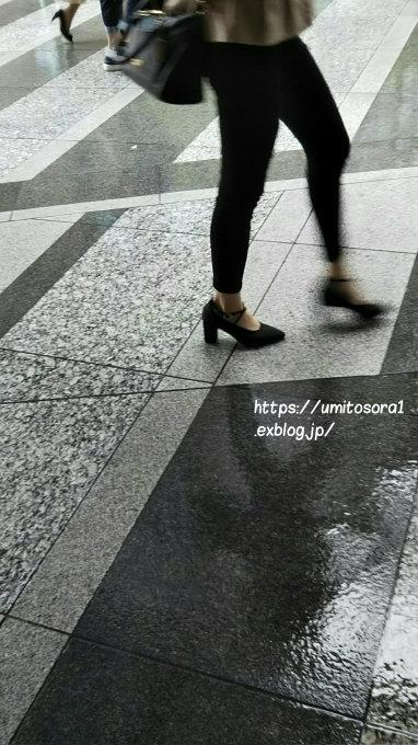 雨に歩く_b0324291_21435207.jpg