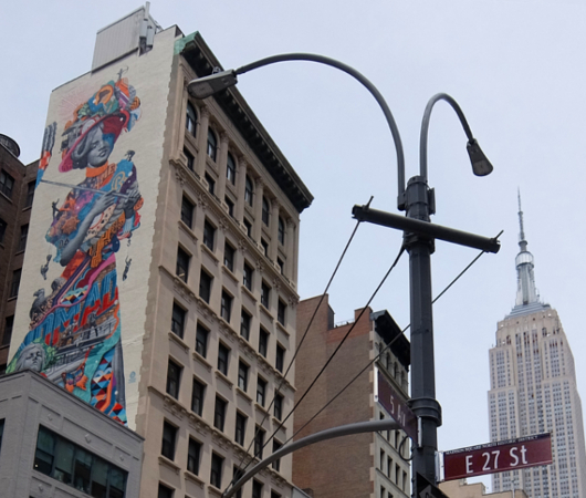 NYに世界初のスーパーモデル美少女、イヴリン・ネズビットさんの縦30メートルの超巨大壁画が登場_b0007805_20425226.jpg