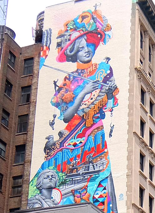 NYに世界初のスーパーモデル美少女、イヴリン・ネズビットさんの縦30メートルの超巨大壁画が登場_b0007805_20441847.jpg