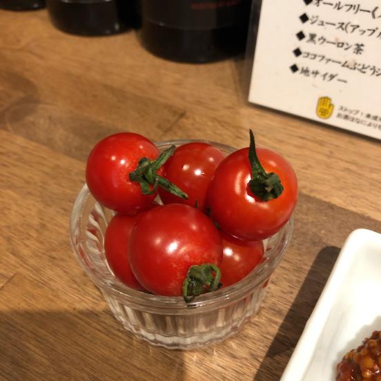 「肉山 横浜」美味い肉まみれで、お酒もススムわ。_f0054556_18192094.jpg