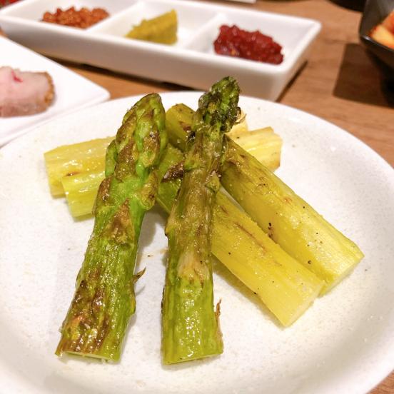 「肉山 横浜」美味い肉まみれで、お酒もススムわ。_f0054556_18363894.jpg