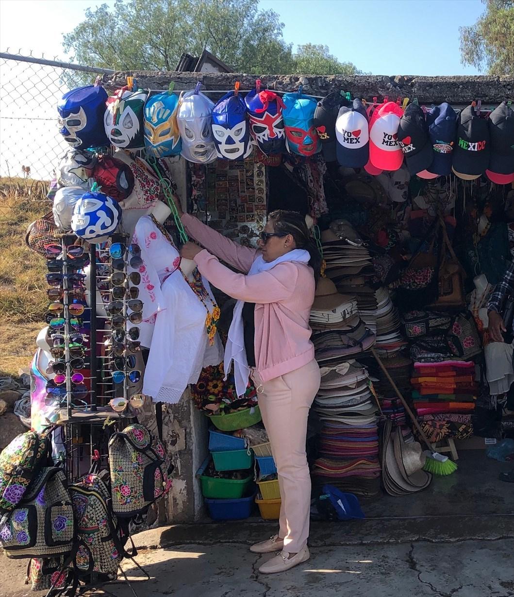 中南米の旅/67 テオティワカン遺跡の土産屋@メキシコ_a0092659_23402278.jpg