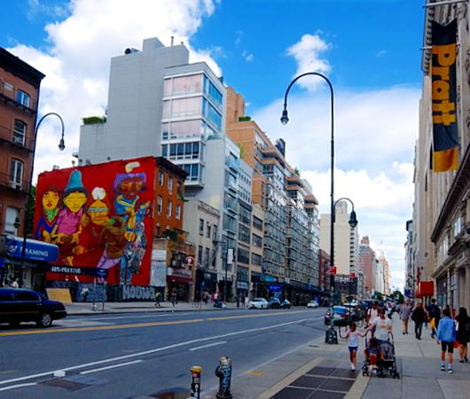 14丁目沿いのOSGEMEOSの巨大壁画、まだ見れます_b0007805_08322342.jpg
