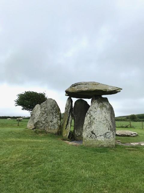 イギリスの旅③ ウェールズ*石の記憶_d0085018_10372003.jpg