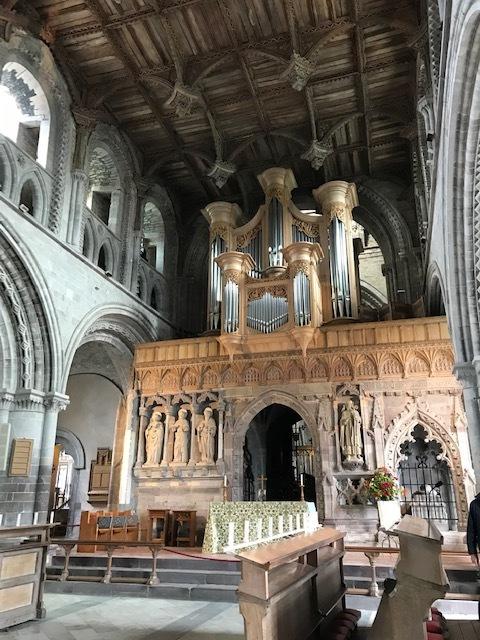 イギリスの旅その④ 古い教会_d0085018_13244282.jpg