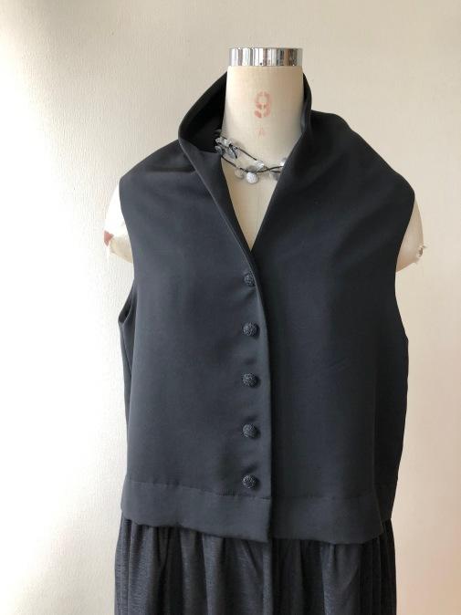 着物リメイク・絵羽織から異素材のジレ_d0127925_18251877.jpg