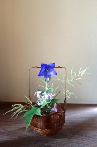 初夏の手付き花籠_a0197730_01534991.jpg