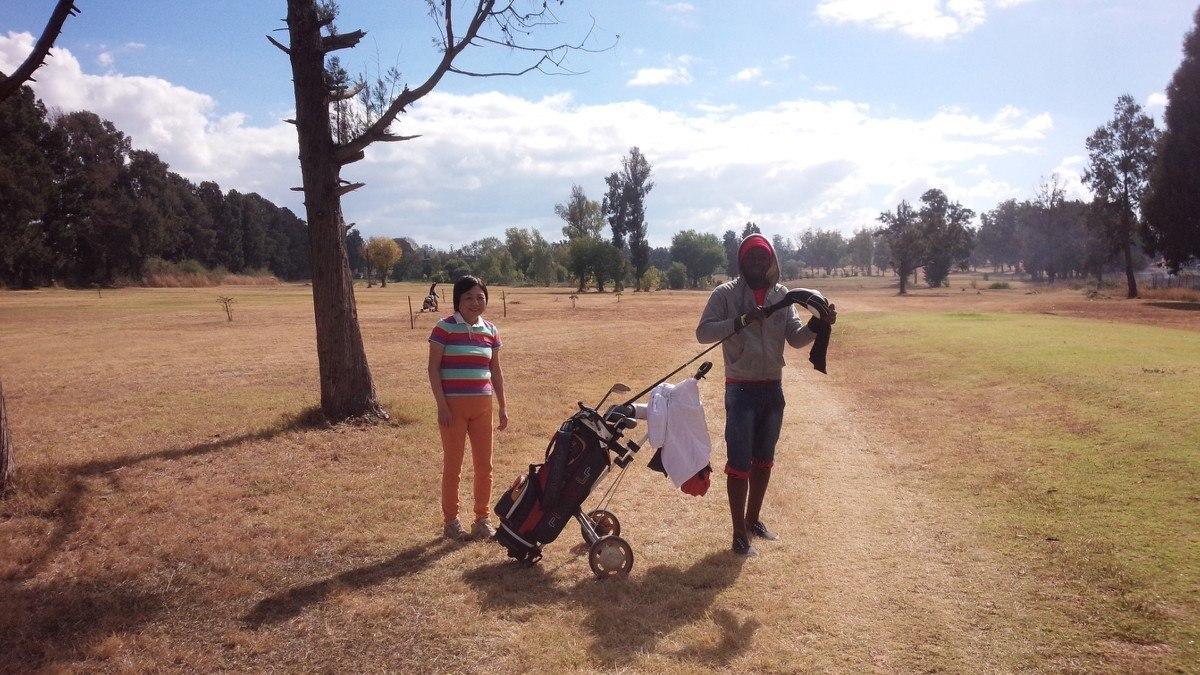 ジンバブエでゴルフ_d0228130_10264706.jpg