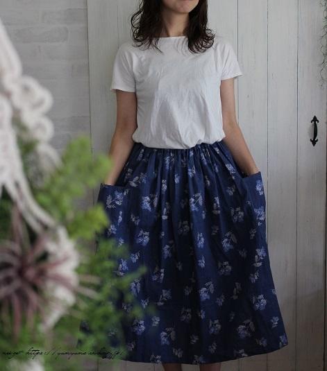 上品な藍色ハーフリネンでよそ行き用夏スカートができました♪_f0023333_22045126.jpg