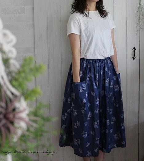 上品な藍色ハーフリネンでよそ行き用夏スカートができました♪_f0023333_22045135.jpg