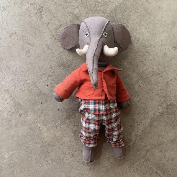 dressed elephant_a0025778_17092911.jpg