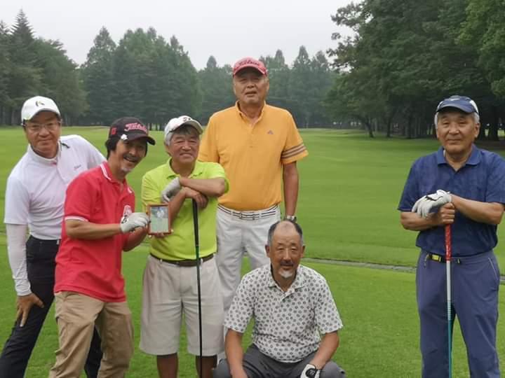「初見さん追悼ケニヤンゴルフ」_a0075684_10053083.jpg