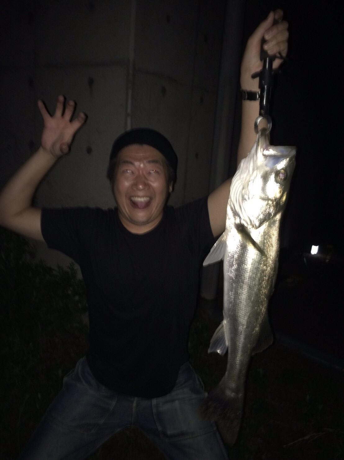 こんな所に巨大魚が !! 死闘_e0115904_18443787.jpg