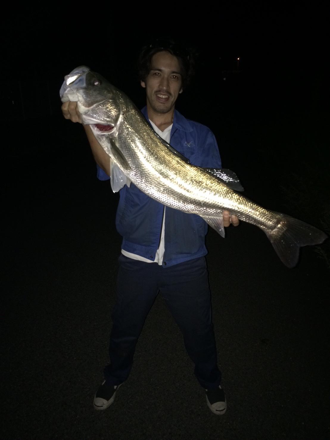 こんな所に巨大魚が !! 死闘_e0115904_18450078.jpg