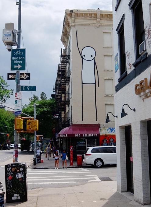 9丁目沿いSTIKの「自由の女神」壁画、まだ見れます_b0007805_11210039.jpg