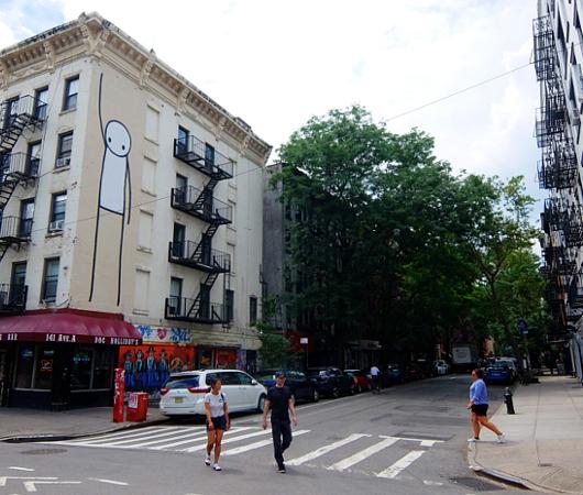 9丁目沿いSTIKの「自由の女神」壁画、まだ見れます_b0007805_11341558.jpg