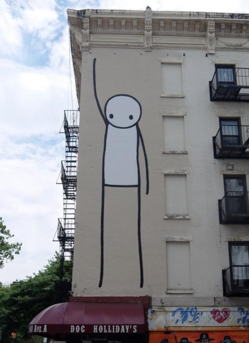 9丁目沿いSTIKの「自由の女神」壁画、まだ見れます_b0007805_11353160.jpg