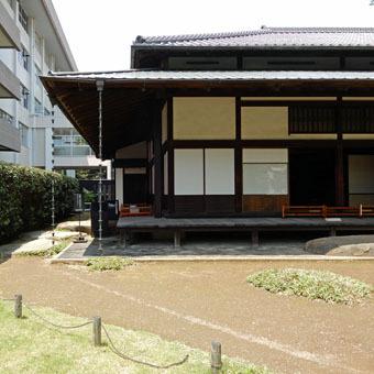旧岩崎邸和館の深い屋根_c0195909_11435448.jpg