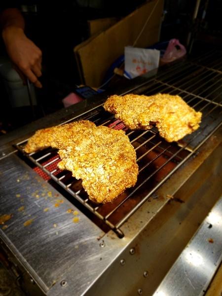饒河街觀光夜市で最後の食事_a0114319_20053093.jpg
