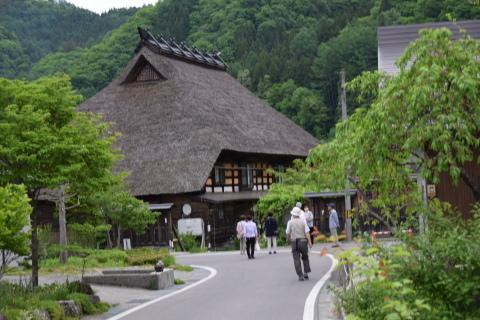 初夏の八方尾根登山(4)山麓の風景_a0147436_11032718.jpg