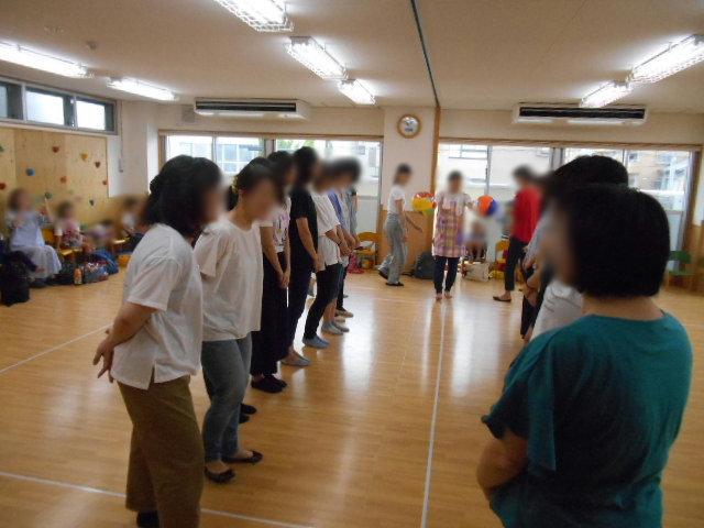 らいおん組 保育参観と給食懇談会_e0148419_15484290.jpg