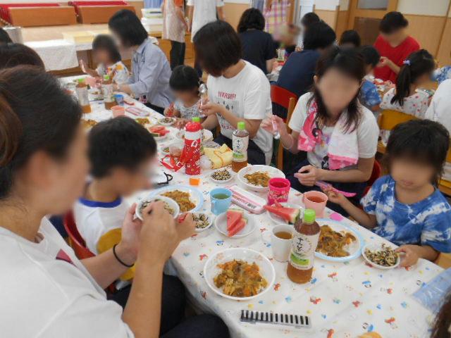 らいおん組 保育参観と給食懇談会_e0148419_15533739.jpg
