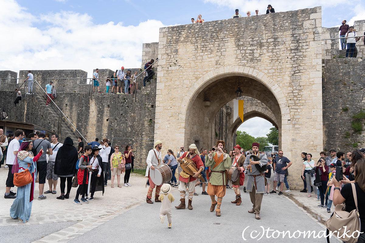 世界遺産の町、プロヴァンの「中世祭り」へ_c0024345_02544724.jpg