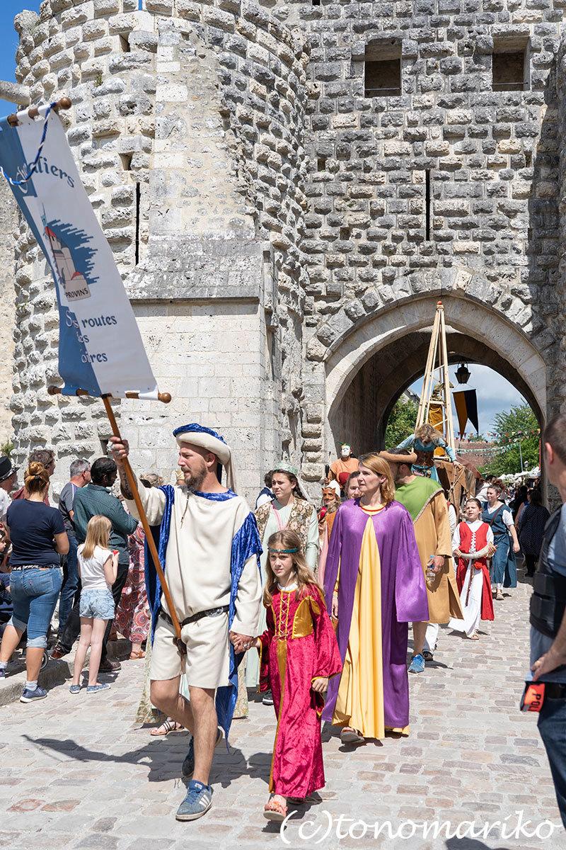 世界遺産の町、プロヴァンの「中世祭り」へ_c0024345_02544807.jpg