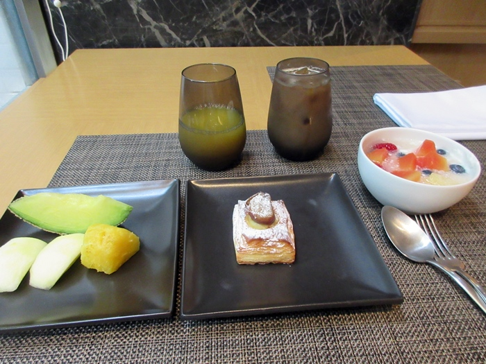ザ・プリンス・さくらタワー東京で朝食ビュッフェ【ラウンジホッピング】_b0009849_16475526.jpg