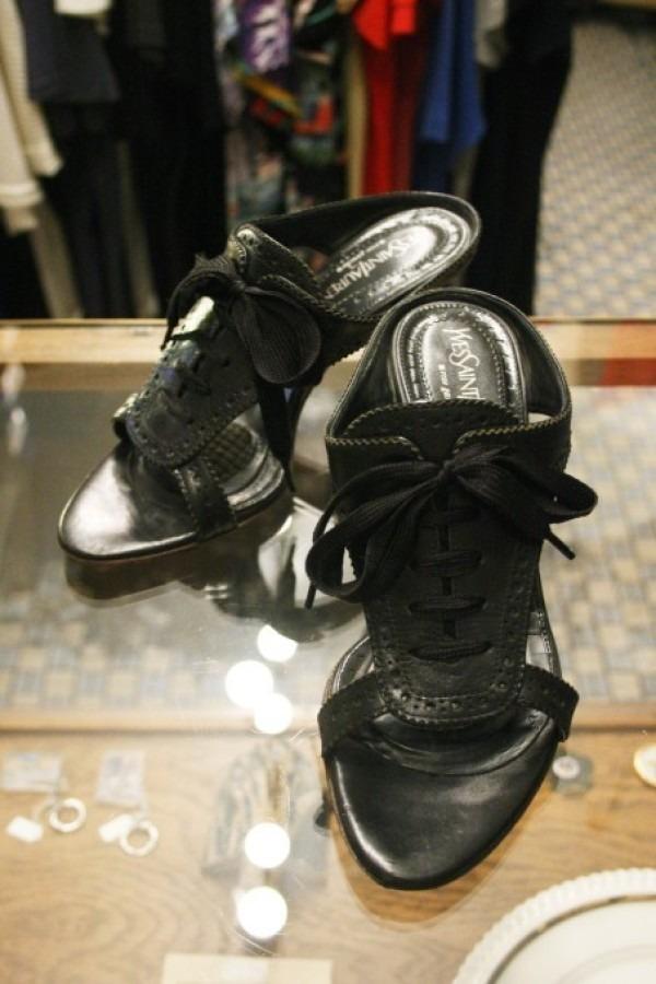 平成最後のヨーロッパ買い付け後記28 イヴサンローラン美術館で泣く 入荷イヴサンローラン他、フェンディ、グッチ、マルニ、マルタンマルジェラ レディースサンダル、メンズスニーカー_f0180307_01324809.jpg