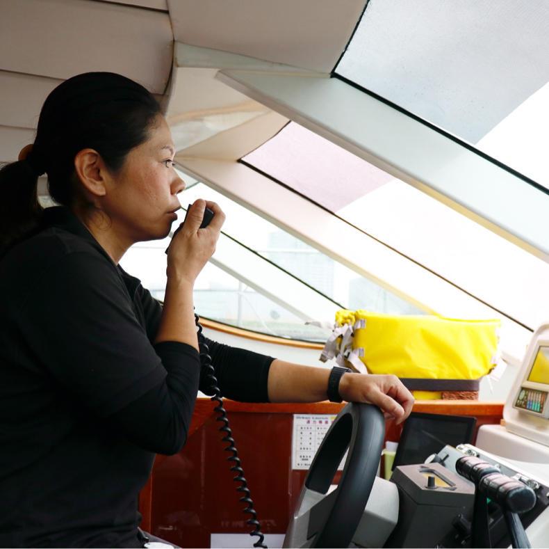 「マリンカーニバル 2019」でメディア向けのボートに乗れてご満悦_c0060143_15102841.jpg