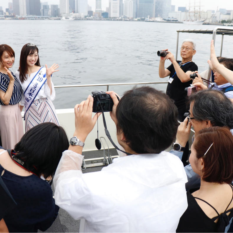 「マリンカーニバル 2019」でメディア向けのボートに乗れてご満悦_c0060143_15112628.jpg